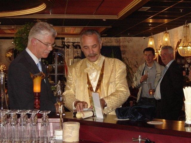 Henk-Romeijn-Bar-Magic